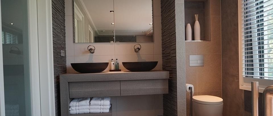Complete Badkamer Ikea ~   complete kleine badkamer met ligbad Complete badkamer inclusieft
